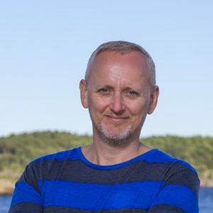 Steinar J Olsen